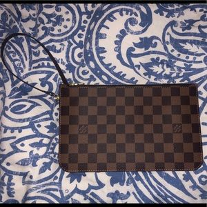 LV POUCH MM